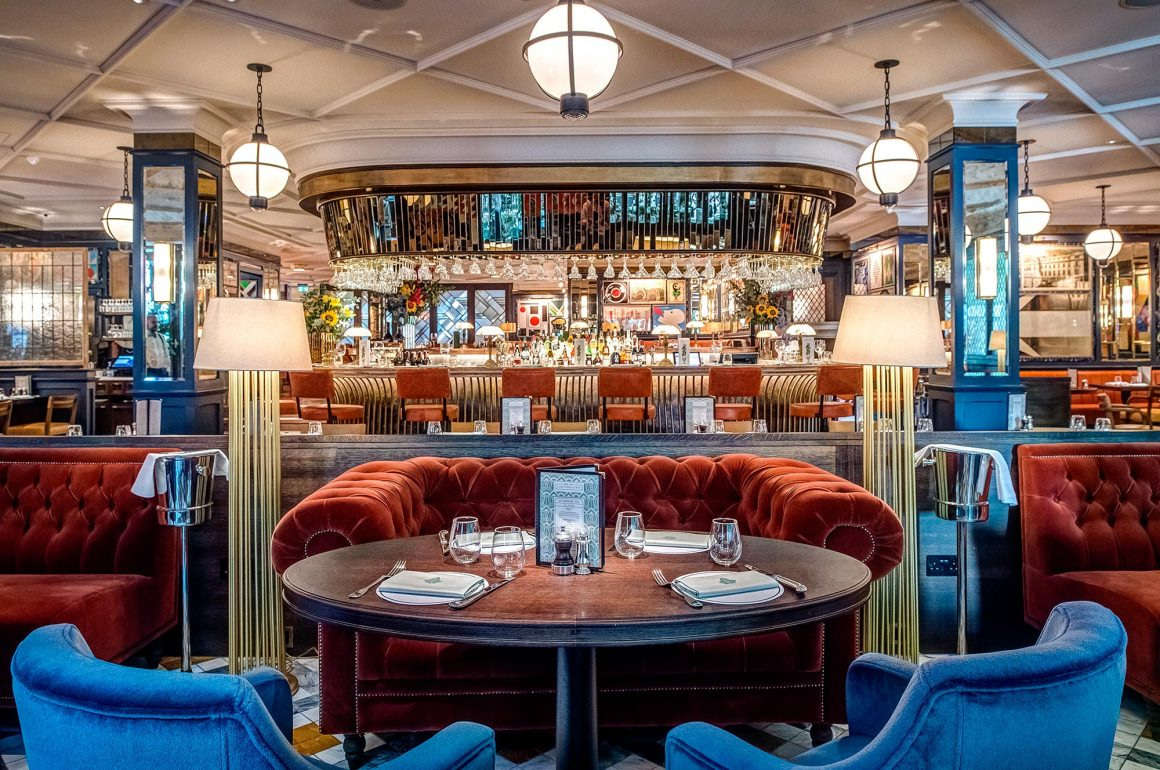 The-Ivy-Soho-Brasserie-hero-mage-with-central-bar